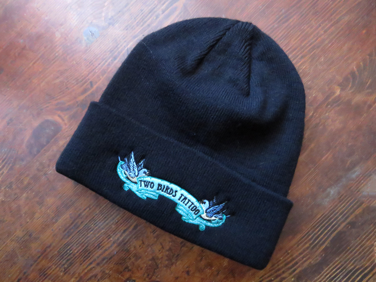 Two Birds Beanie in Black