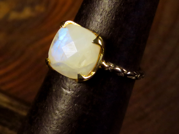 2-tone Dainty Moonstone Ring